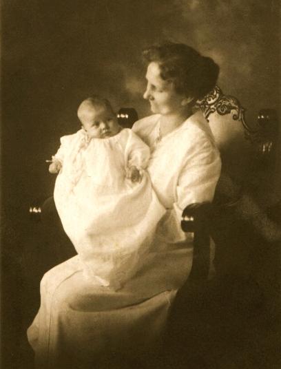 Catob, Lena baby Gertrude