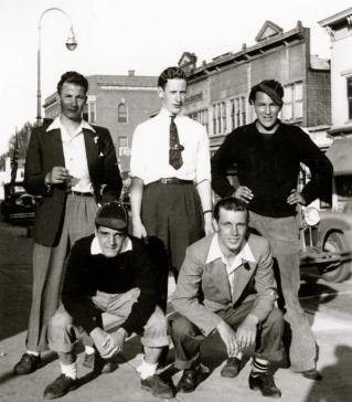 Heinz, Les, h.s.guys-Les,Jim Campbell,   ,Earl Knapp, Louis Kosirnik-11-22-40