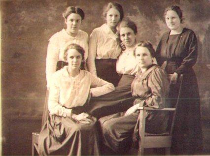 Q 3  Higgins Sisters